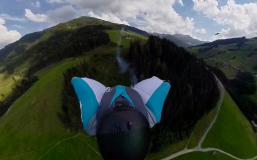 LOC 2018_Peter Salzmann_Wingsuit SMALL - 1 (1)